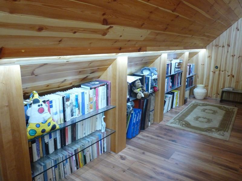 osvětlení knihovny, zafrézováno v dřevěné liště