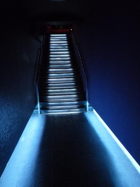 osvětlení schodiště - klub Mecca