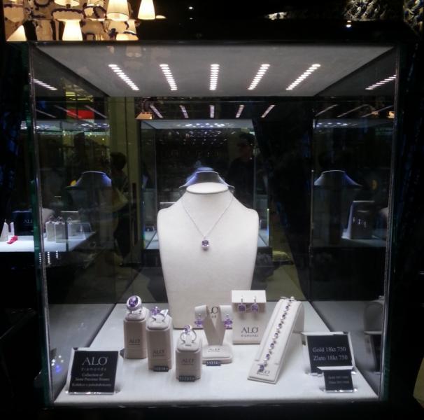 osvětlení vitríny - ALO diamonds